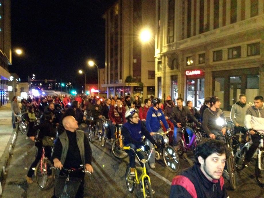 Bicicritica León 29 Marzo 2012 • Al finalizar ya era de noche.